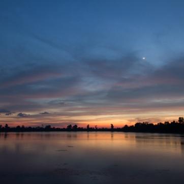 sunrise over sra srang